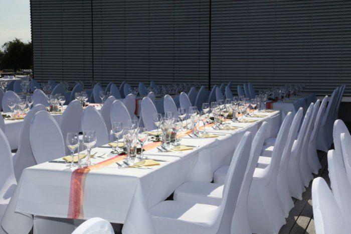 Beispiel: Hochzeitstafel auf der Terrasse, Foto: Delcanto.