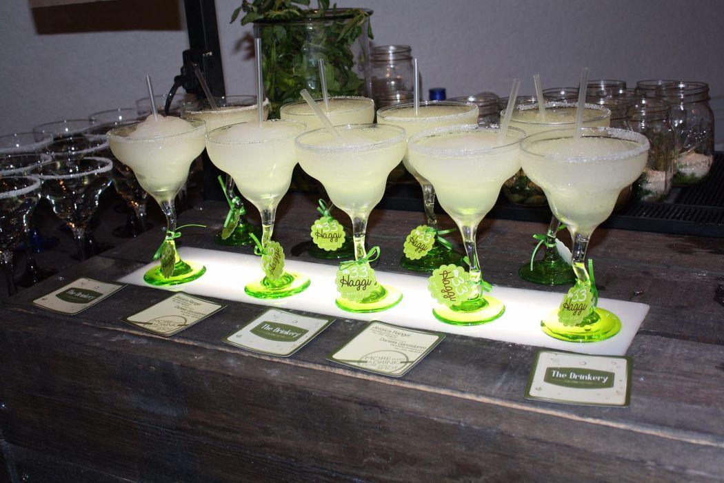 Margarita clásica en cristalería personalizada