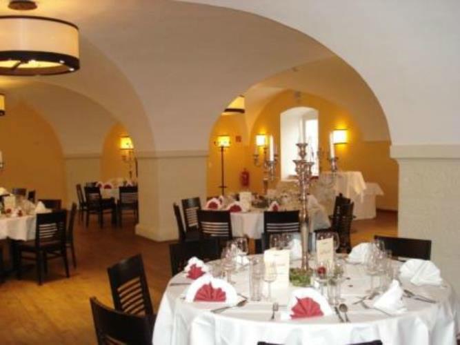 Beispiel: Hochzeitsgedecke, Foto: Stift Klosterneuburg.