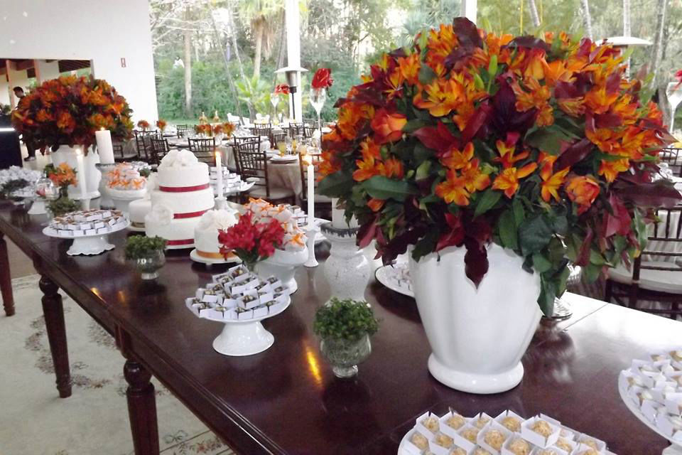 Claudia Aguiar party design