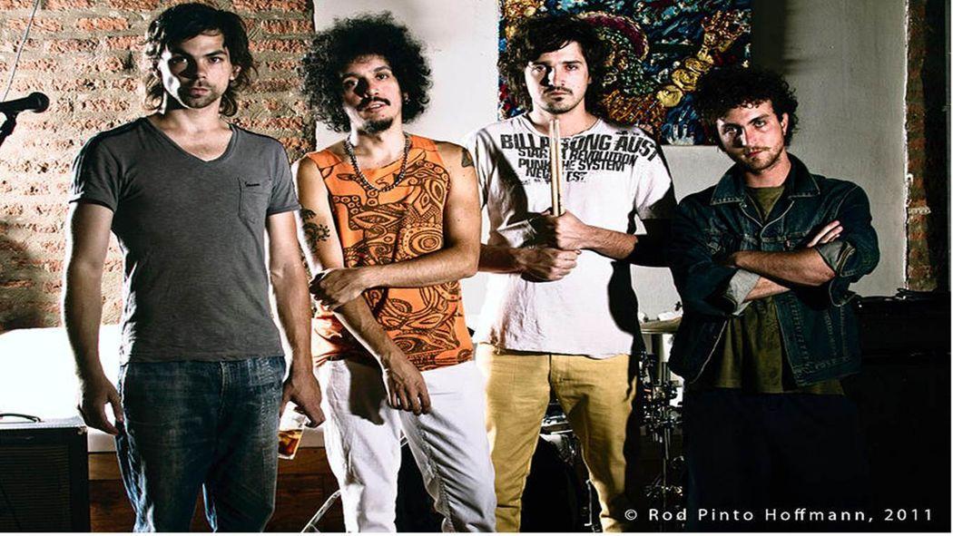 Vive el rock, la energia que entregan no la habras visto nunca antes jamás!! Banda Hermanos lucian (15 años de experiencia) Cantante actor de tv Francisco Gormaz