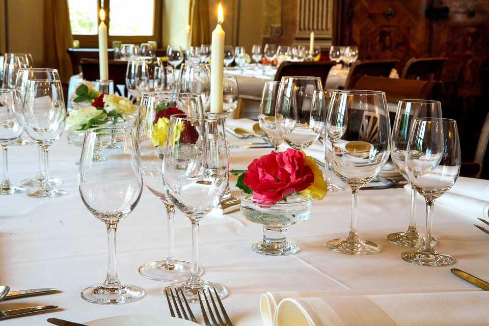 Beispiel: Tischdekoration, Foto: Rosenpalais Catering.