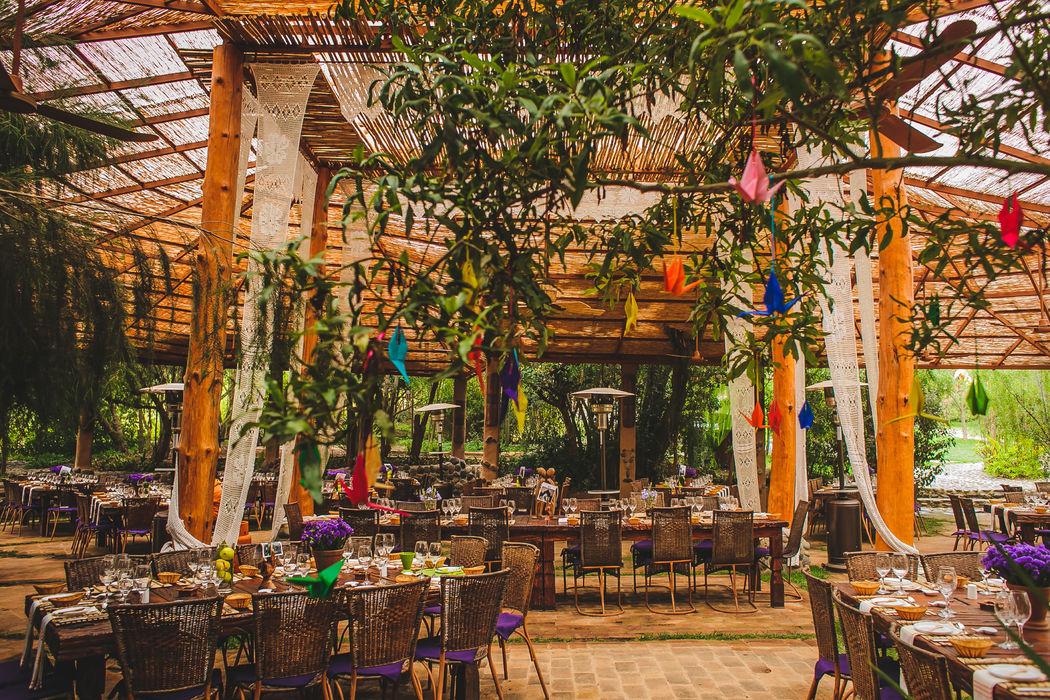 Comedor techado en La Arbequina Foto: Inspira Fotografía Documental