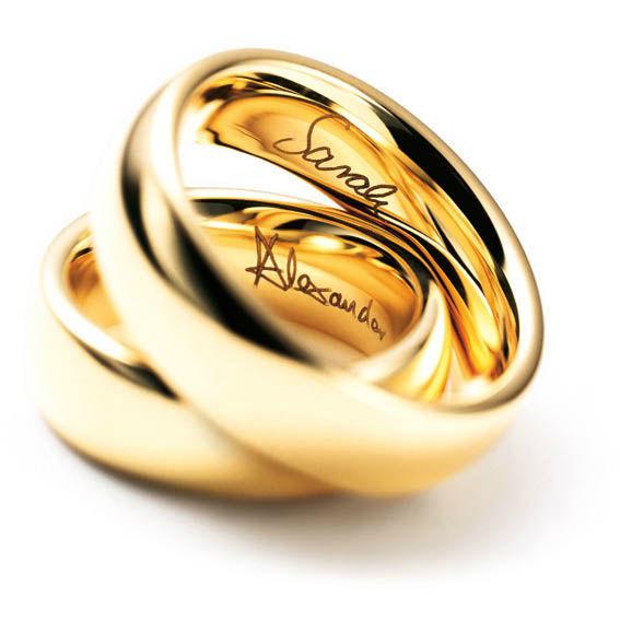 Beispiel: Lassen Sie Ihren Namen eingravieren, Foto: Juwelier Dallinger.