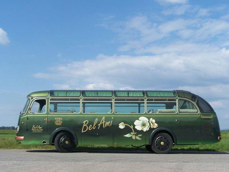 Beispiel: Ein Bus für Ihre Hochzeitsgesellschaft, Foto: Bel Ami Oldtimergarage.