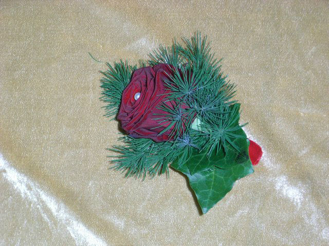 Beispiel: Anstecker, Foto: Blatt & Blüte.