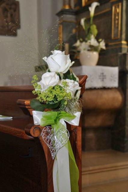 Beispiel: Kirchendekoration, Foto: Blumen Christl.