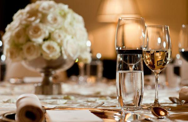 Beispiel: Liebevolle Tischdekoration, Foto: Gerstner Catering.