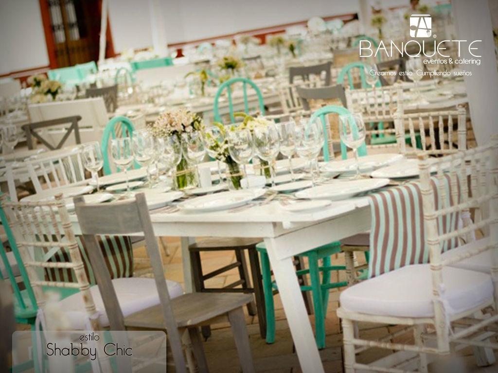 Mesa picnic con sillas tiffant wash, mint y gris #banqueteeventos