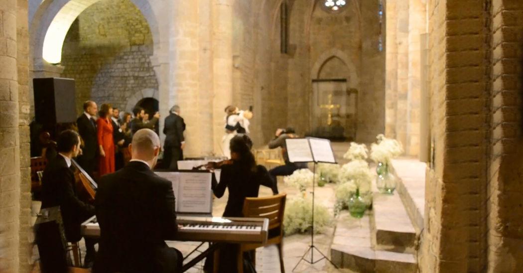 Ceremonia religiosa en el Monasterio de Santa María de Vilabertrán (Girona)
