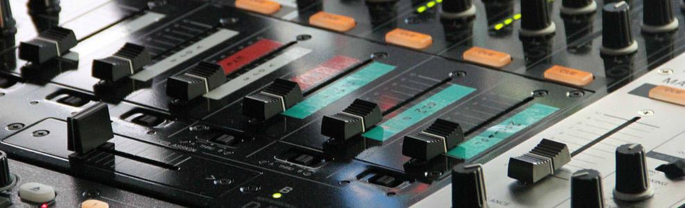 Beispiel: Ton- und Lichttechnik, Foto: DJ Heroes.