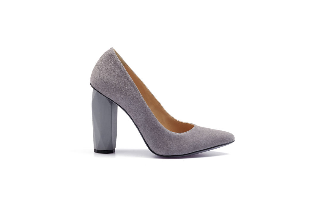 Diamond Pump . Pebble Grey