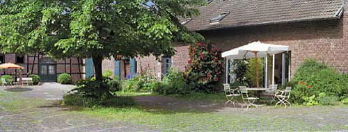 Beispiel: Innenhof, Foto: Nothenhof.
