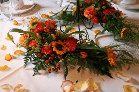 Beispiel: Blumenschmuck, Foto: Bader Blumen-Center.