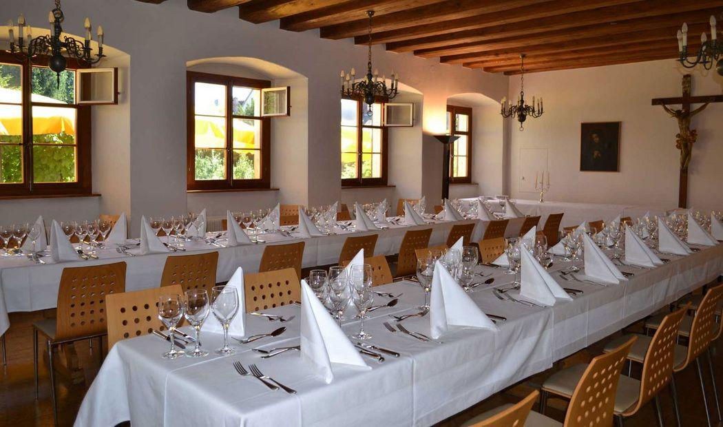Beispiel: Tischdekoration, Foto: Hotel Kloster Dornach.