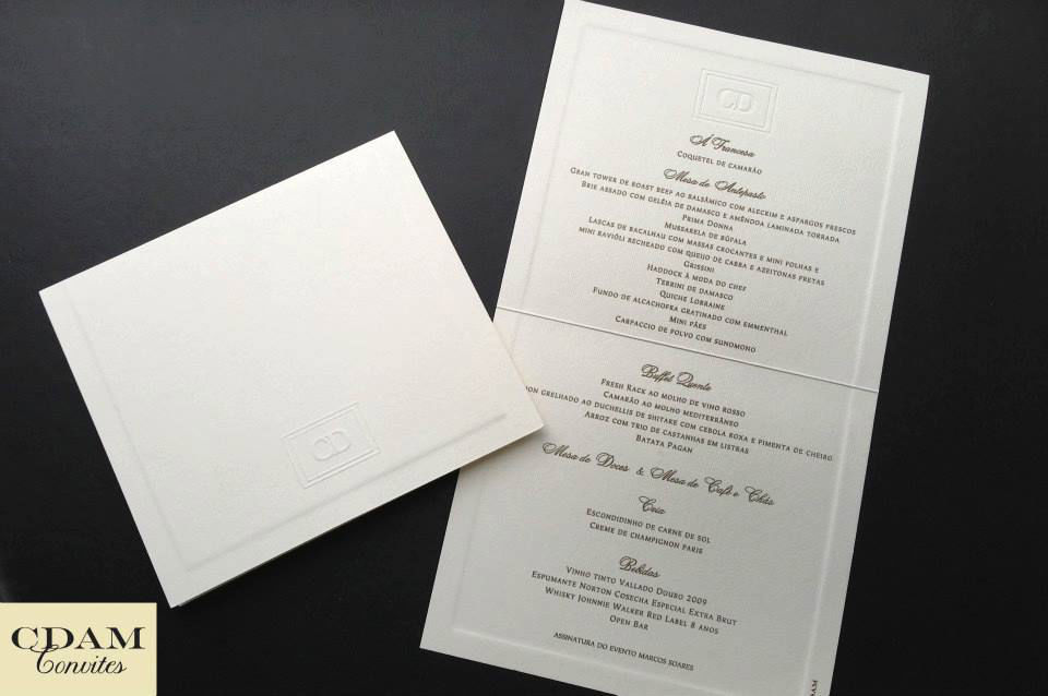CDAM Design - Menu de jantar com brasão em relevo seco.