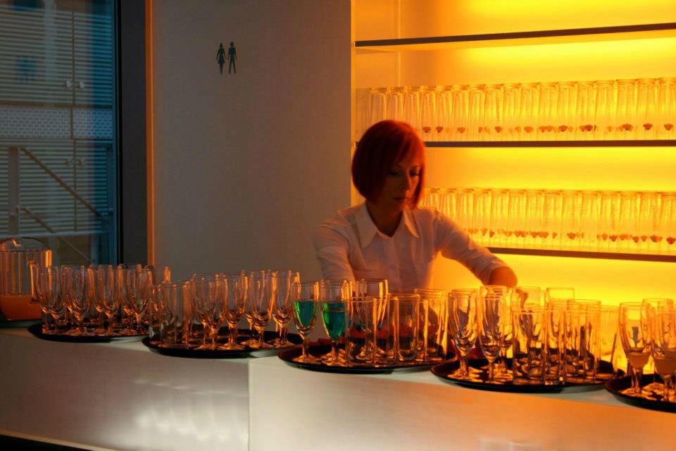 Beispiel: Vorbereitungen für den Sektempfang, Foto: Tip Top Table Catering.