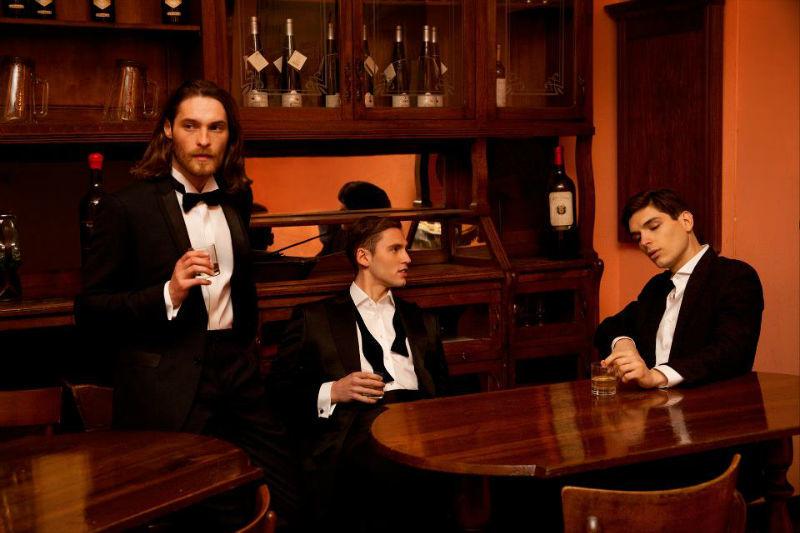 Beispiel: Festliche Männermode, Foto: Amerano.
