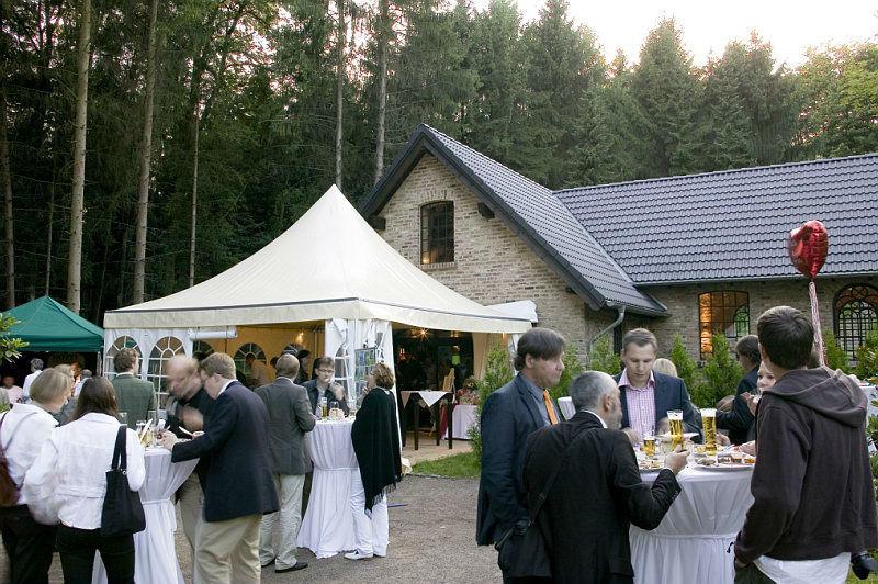 Beispiel: Stehempfang im Park, Foto: Schloss Grünewald.