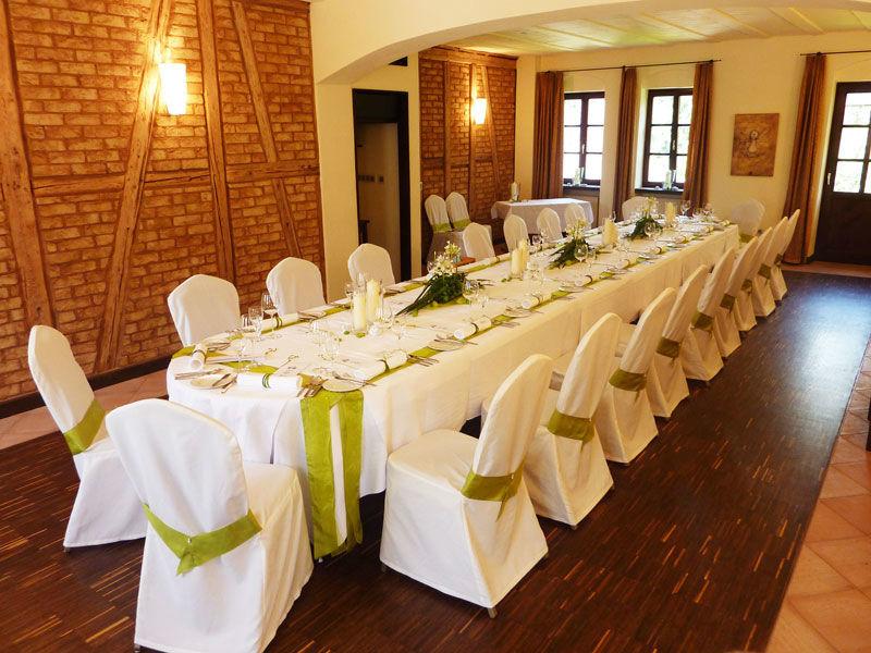 Beispiel: Hochzeitstafel, Foto: Landhaus Diedert.