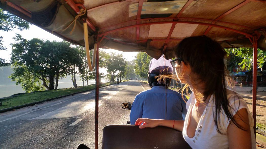 in giro tra i templi a bordo del mitico tuk-tuk