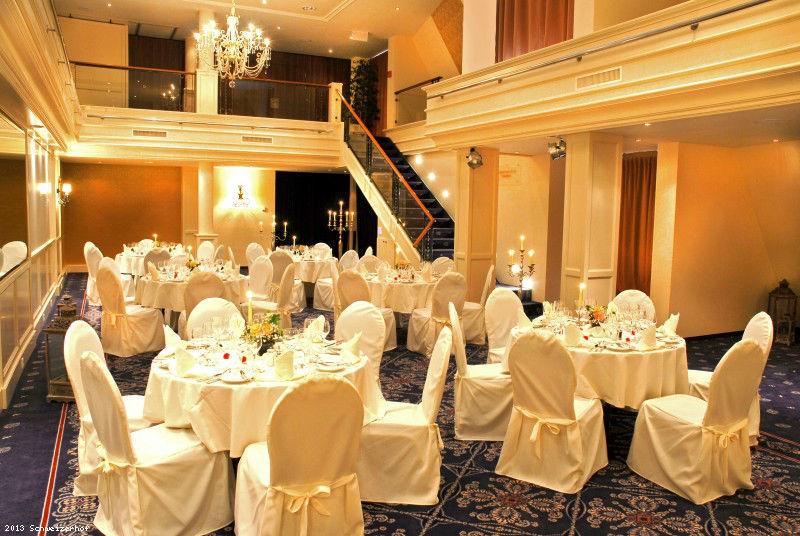 Beispiel: Hochzeitsgedeck, Foto: Romantik Hotel Schweizerhof Grindelwald.
