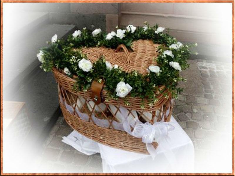 Beispiel: Korb, Foto: Hochzeitstauben - Service – Bergstrasse.