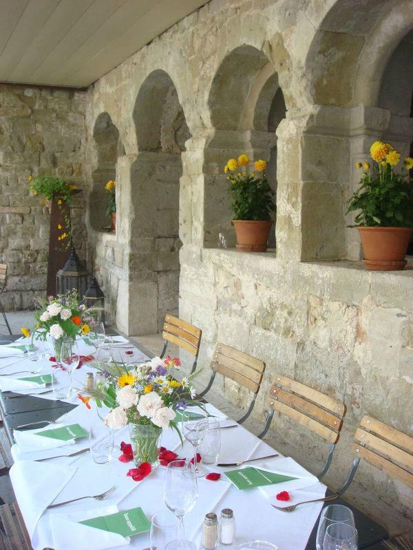 Beispiel: Feiern im Freien, Foto: St. Petersinsel Restaurant & Klosterhotel.
