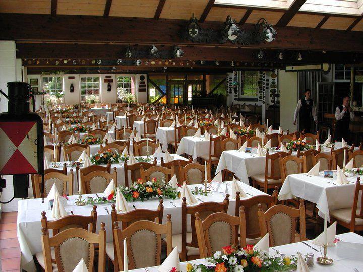 Beispiel: Festtagstafel, Foto: AKZENT Hotel Brüggener Klimp.