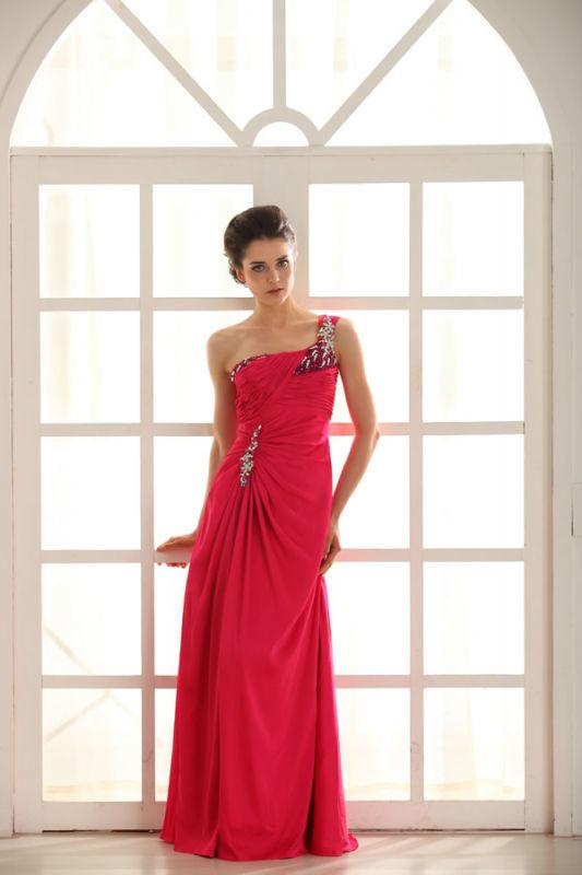 Beispiel: Kleider für die Frau mit Stil, Foto: Prinzessin Abendmode.