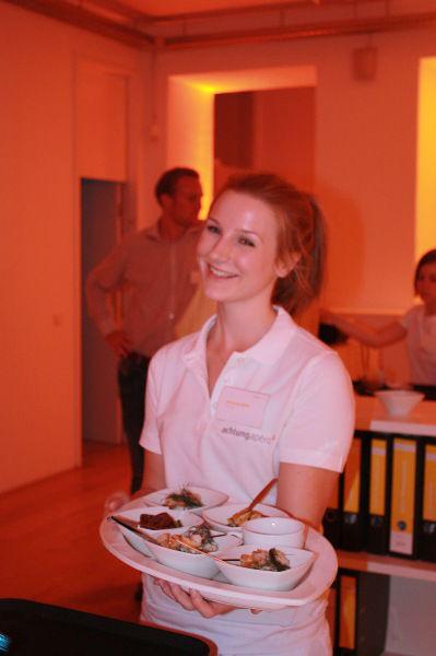 Beispiel: Freundliches Servicepersonal, Foto: Skyline Catering & Event's.