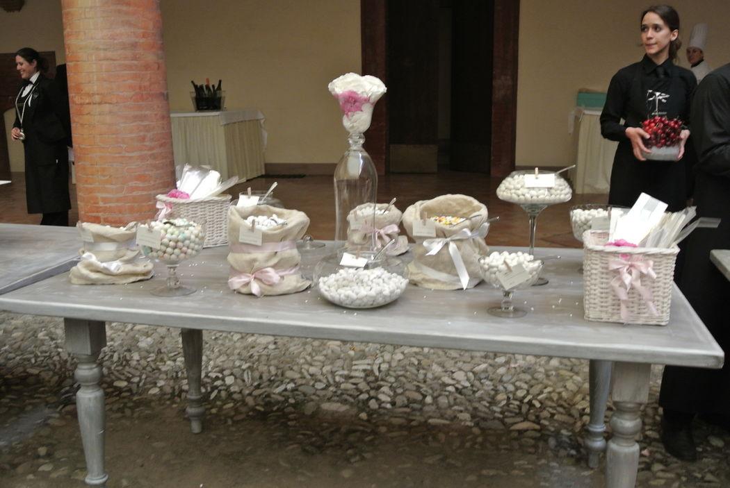 Shabby chic wedding - Tavolo confettata