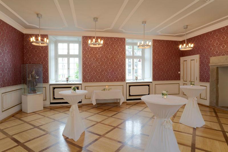 Beispiel: Sektempfang im Kaminzimmer, Foto: Schloss Broich.