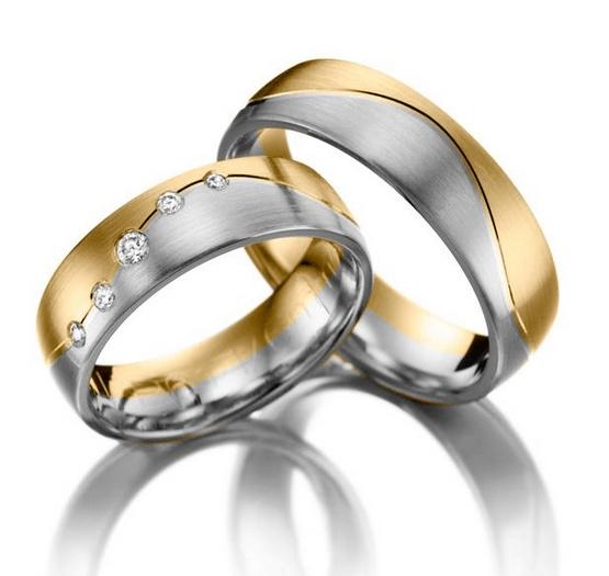 Beispiel: Ring in Bicolor mit Diamantenverzierung, Foto: Juwelier Röder.