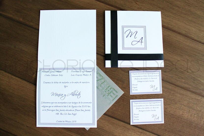 Invitación elegante y formal con detalle de listón