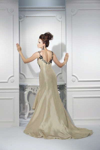 Beispiel: Atemberaubende Kollektionen, Foto: Bea's Brautmode.