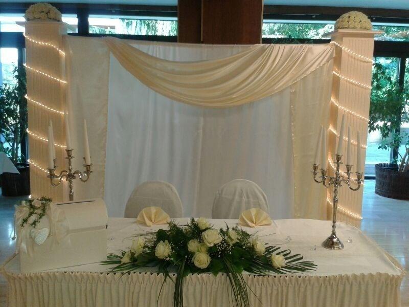 Beispiel: Brauttisch, Foto: Dilara's Eventdeko.