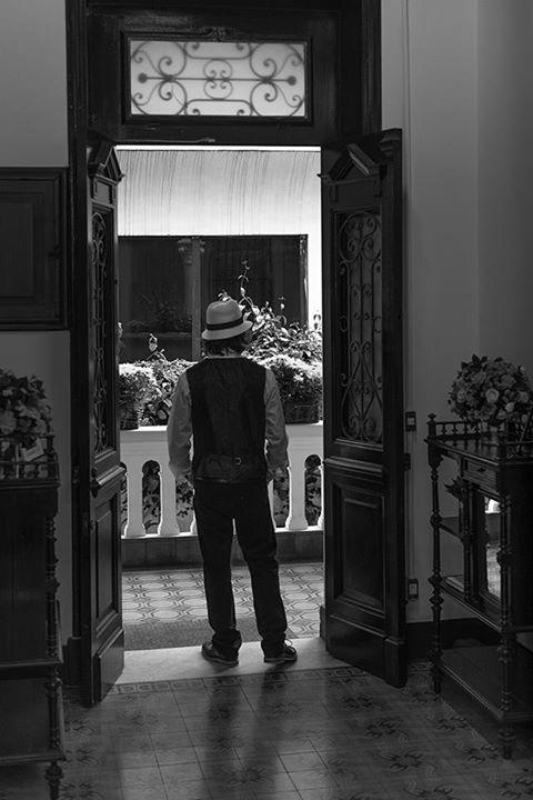 Porta centenária - entrada principal da varanda