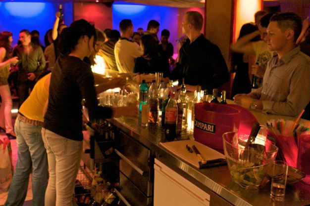 Beispiel: Club-Bar, Foto: Telegraph - Café & Restaurant.