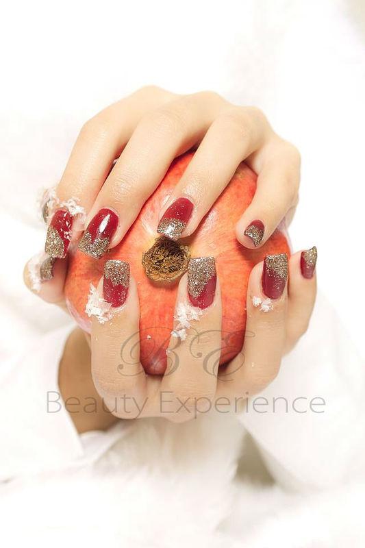Beispiel: Die Nägel passend zum Brautkleid, Foto: Beauty Experience.