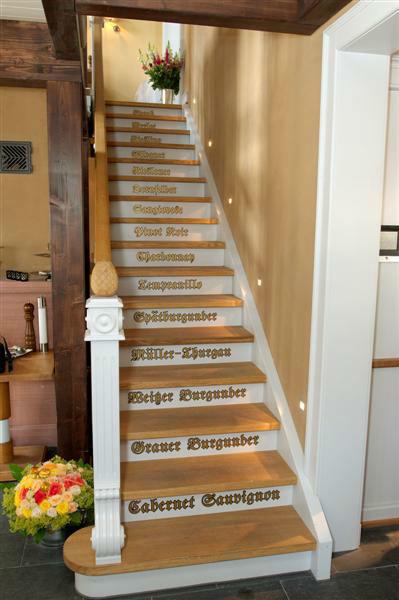Beispiel: Treppenaufgang, Foto: EdVino.