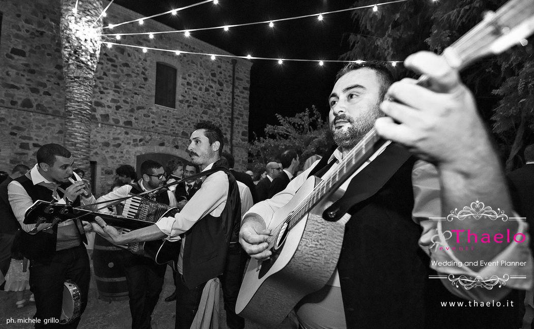 Thaelo Eventi Sicilian Traditional Folk Music in Sicilian Style Wedding