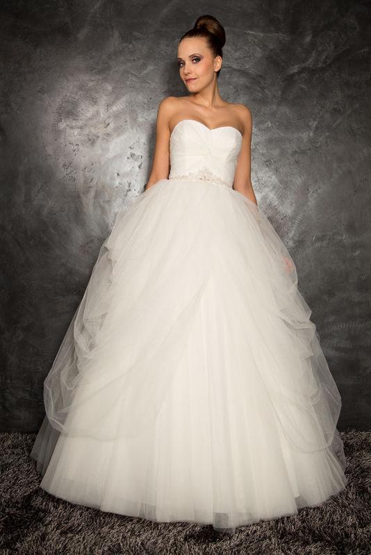 White Dress Modèle Muse  www.whitedress.lu