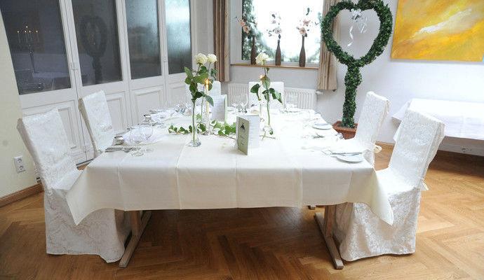 Beispiel: Festlich gedeckter Tisch, Foto: DreiMädelHaus.