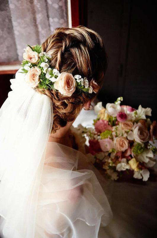 Beispiel: Haarschmuck, Foto: Blumenbar.