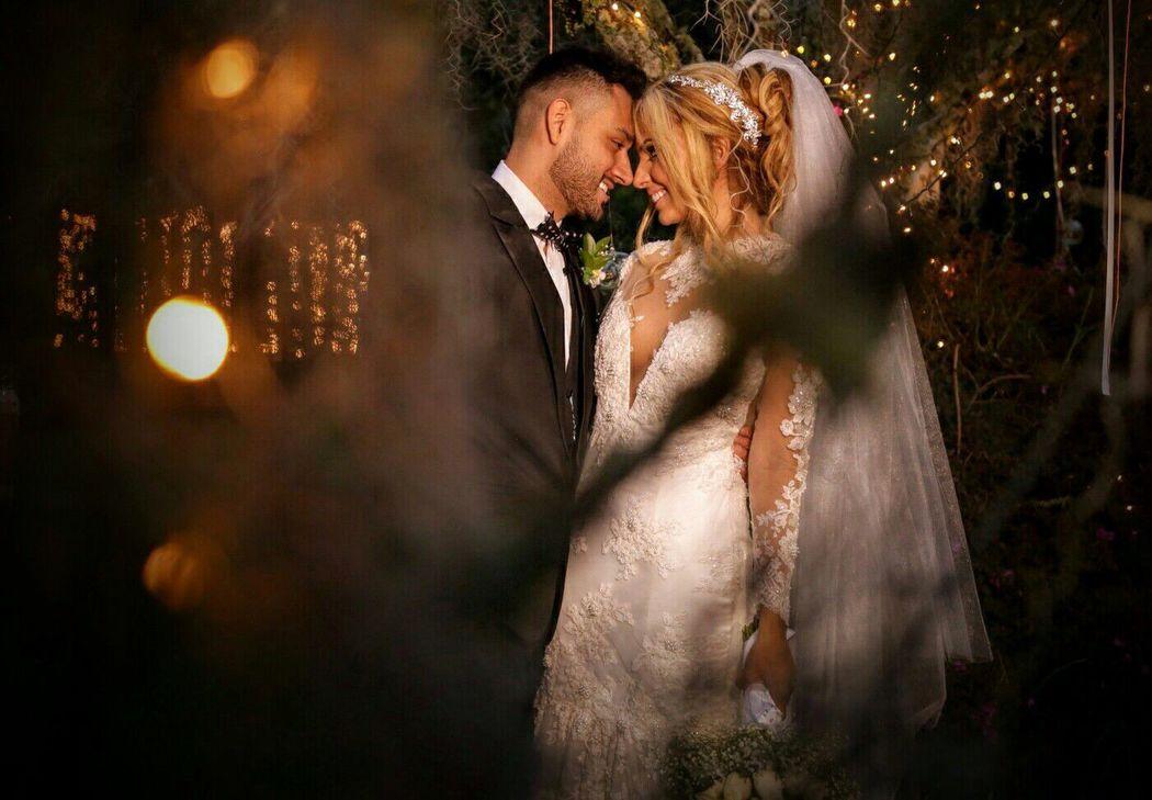 Una mirada de amor, de complicidad Wedding Planner: Lina Vargas Producción Decoración : Lica Creativa  fotografía : Prisma