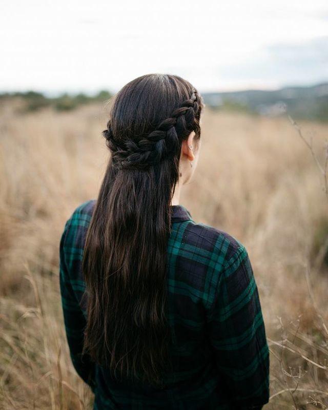 Semirrecogido con trenzas holandesas. Por Ube Hairstyle @ubehairstyle Fotografía de Jose Torralba @josetorralba_