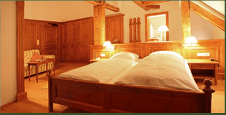 Beispiel: Zimmer, Foto: Hotel Villa Solitude.