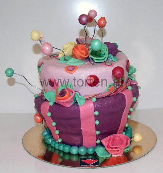 Beispiel: Torte 99 Luftballons, Foto: Hanauer Schoko & Torten Bio.
