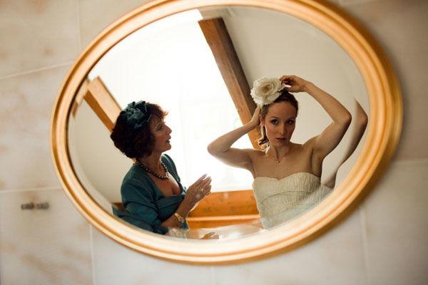 Beispiel: Braut Anprobe, Foto: Friederike Fiebelkorn.